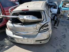 Opel Astra 1.6 essential stripping for spares