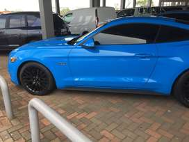 2018 Mustang 5.0 GT Metallic Blue (only 4000km)selling for R660000