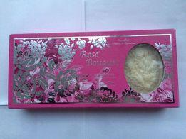Італійське мило ручної роботи, із запахом рози у подарунковій коробці