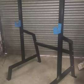 Squat rack heavy duty specials 60x2mm square tube. Free spotter arms