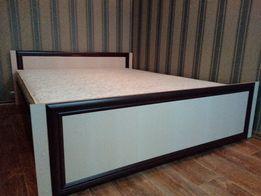 Двухспальная кровать С МАТРАСОМ 200*160см. Хороший недорогой вариант.