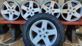 Jeep Alloy Rims x 5 (mags)