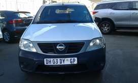 NISSAN NP200 1.6 WITH CANOPY