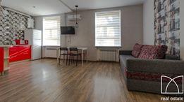 Посуточно теплая 2-комнатная студия Центр гост. Украина,ремонт|кровать