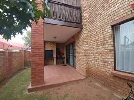 SONNEVELD - NEWLY BUILT TWO BEDROOM TWO BATHROOM UNIT TO LET.