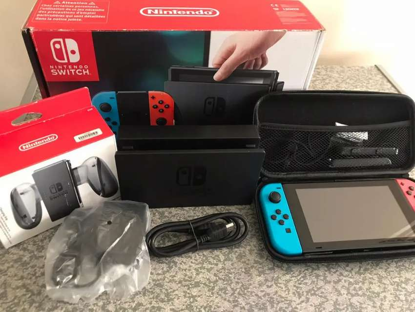 Nintendo switch brand new Neon And Red used a few times console brand 0