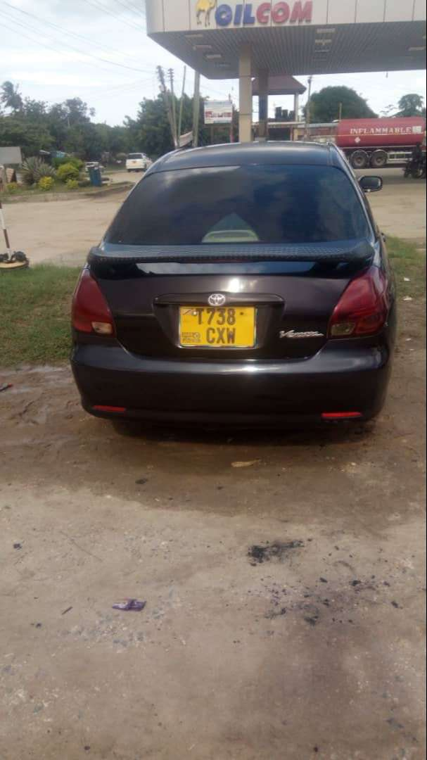Verossa black four doors used in good condition lock wheel and tinted 0