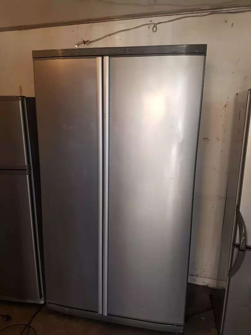Defy air flow dabble door fridge and Freezer 0