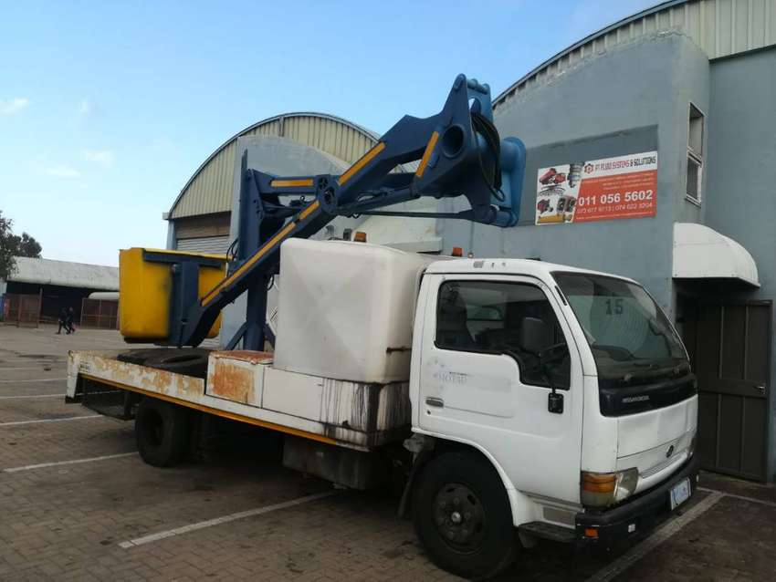 CHERRY PICKER SERVICES AND ALL PARTS FOR SALE