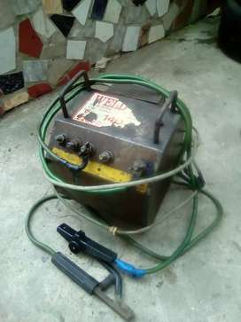 Arc welding machine oil cooled