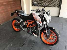 2013 Ktm 390cc hardly ridden start and go with papers and license