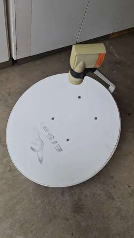 Satellite dish for sale R400