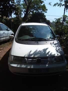 1999 VW Sharan, 7 seater, 5 speed straight body vr6