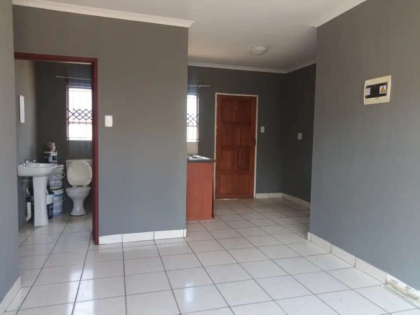 2 bedroom for rental in southern gateway
