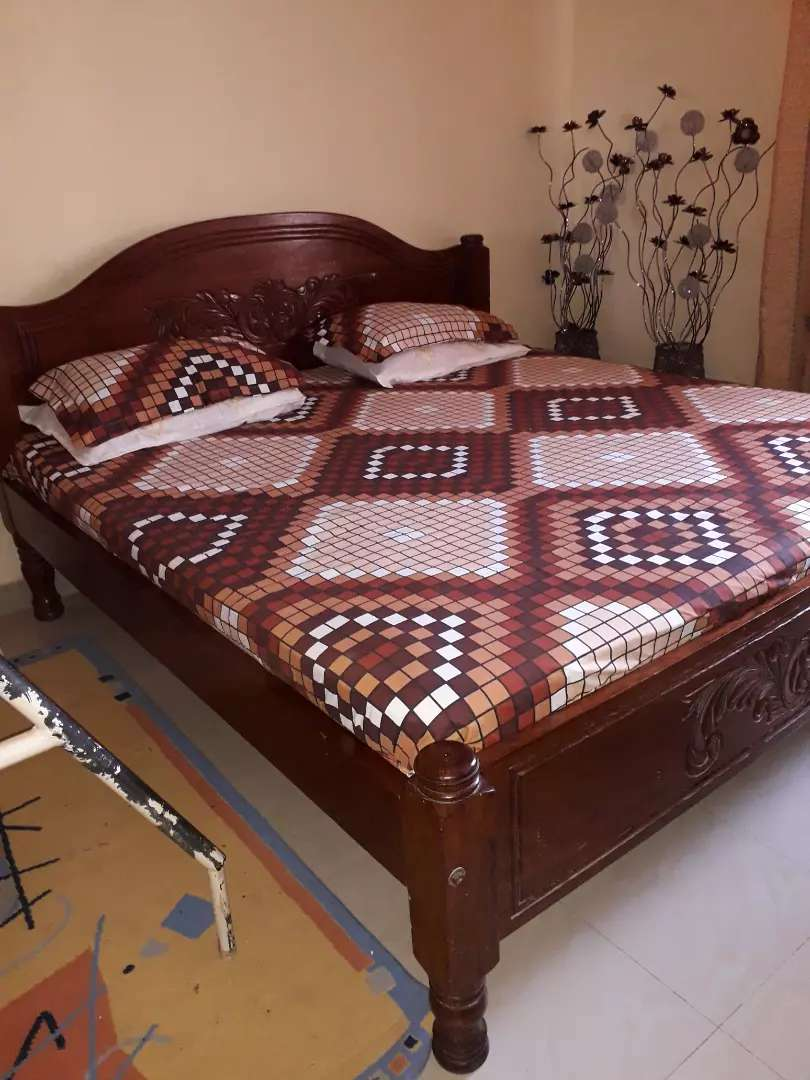 Bed 6 by 6 0