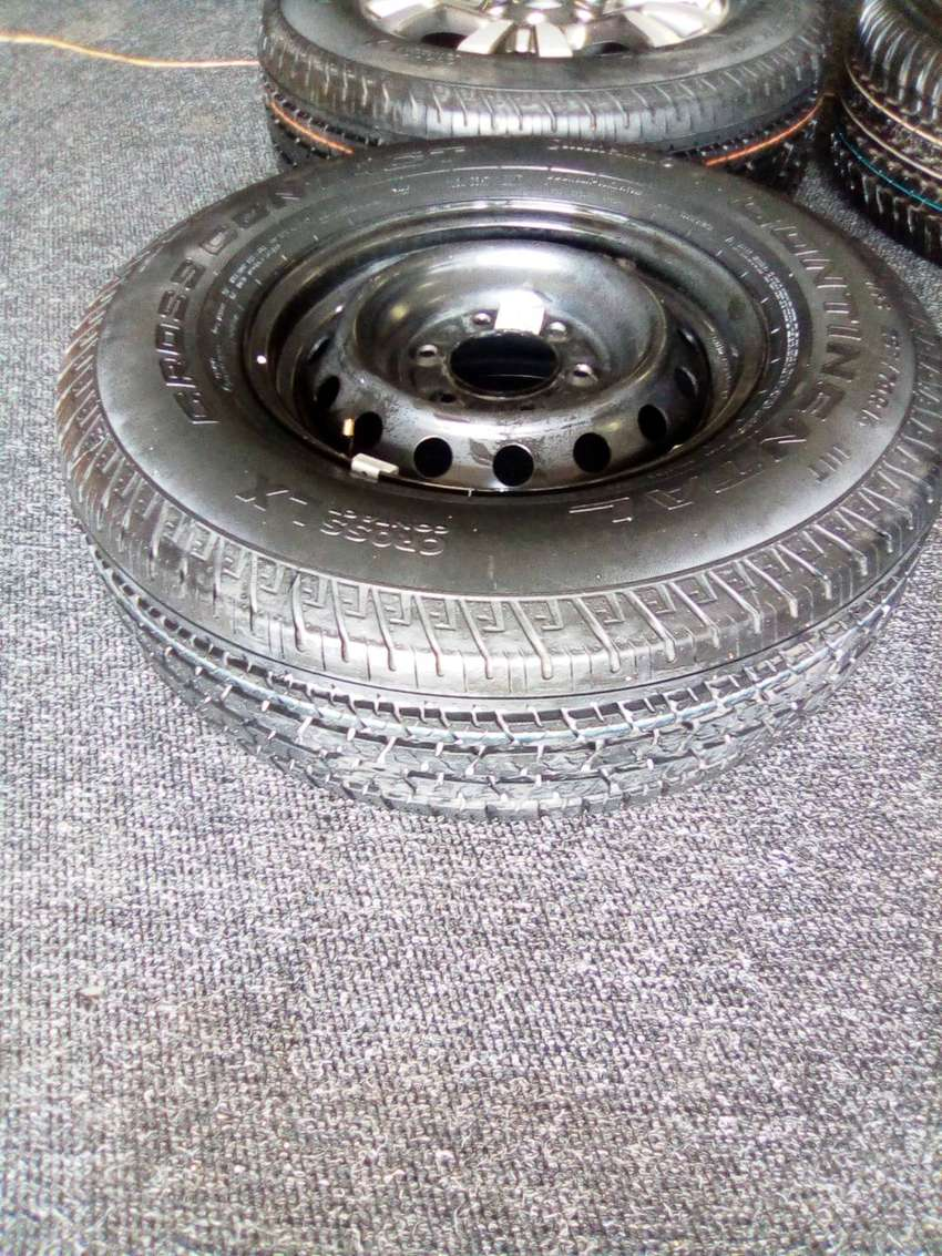 """Ford ranger wildtrack spares,17""""steel rim with new tyre R2000,Mag R325"""