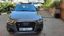 2014 Audi Q3 2.0 Tdi Quattro with Sunroof and leather  seats