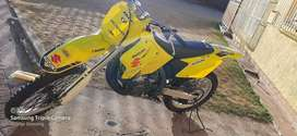 Rm 250, 2007 model, good running condition, with extra tyres and plast