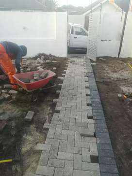 EXPERTS IN PAVING DRIVEWAYS WITH ALL TYPES OF PAVING BRICKS