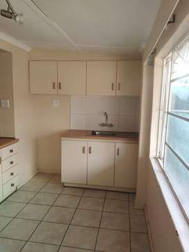 Bachelor flat in West End Kimberley