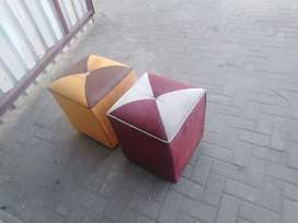 Hi am selling this upholstery