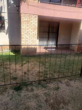 Town house for Sale in Grobler Park Roodeport