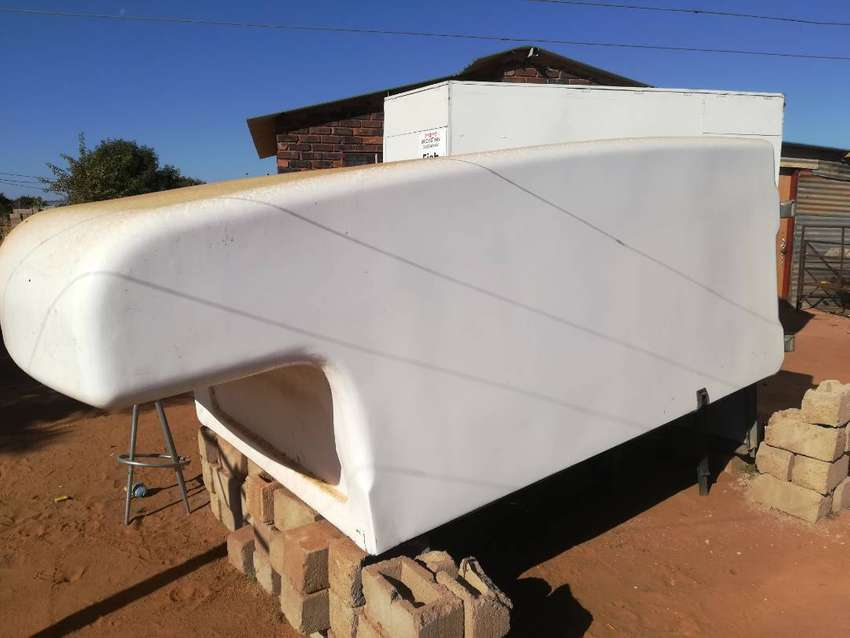 Courier Canopy for Toyota new shape 0