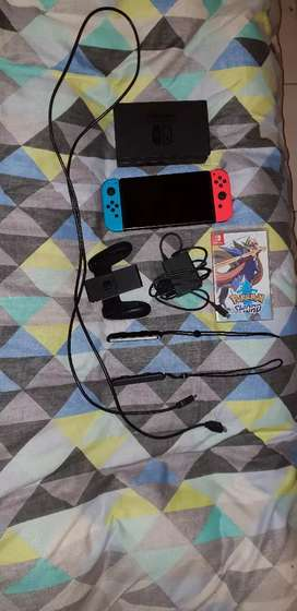 Nintendo Switch console + game