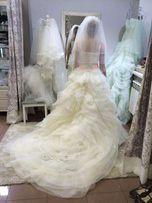 Роскошное свадебное платье! Цвет бежевый!