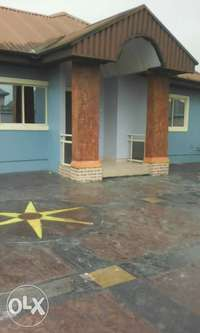 Standard and executive 3bedroom flats to let at eneka in port Harcourt 0