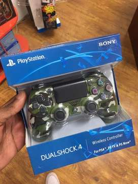 Brand new sony playstation controlers 4 PS4