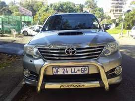 2015  TOYOTA FORTUNER 3.0D4D 4X2 AUTOMATIC