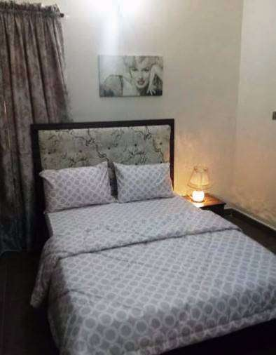 Shortlet:Furnished Ensuite Room Monthly 0