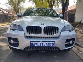 2009 BMW  X6 3.5 Sport with Sunroof and leather seats