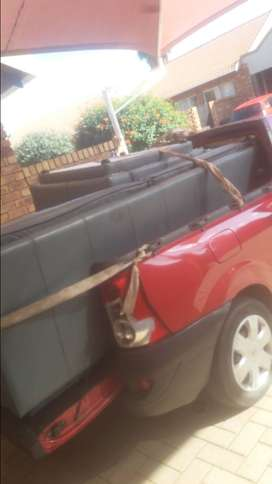 Bakkie for hire in Southernwood and surrounding arrears