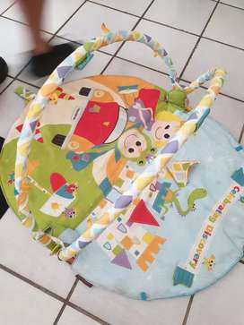 Yookidoo play mat with all toys