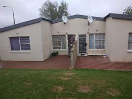 Townhouse  For  R430000 in Florida Roodepoort