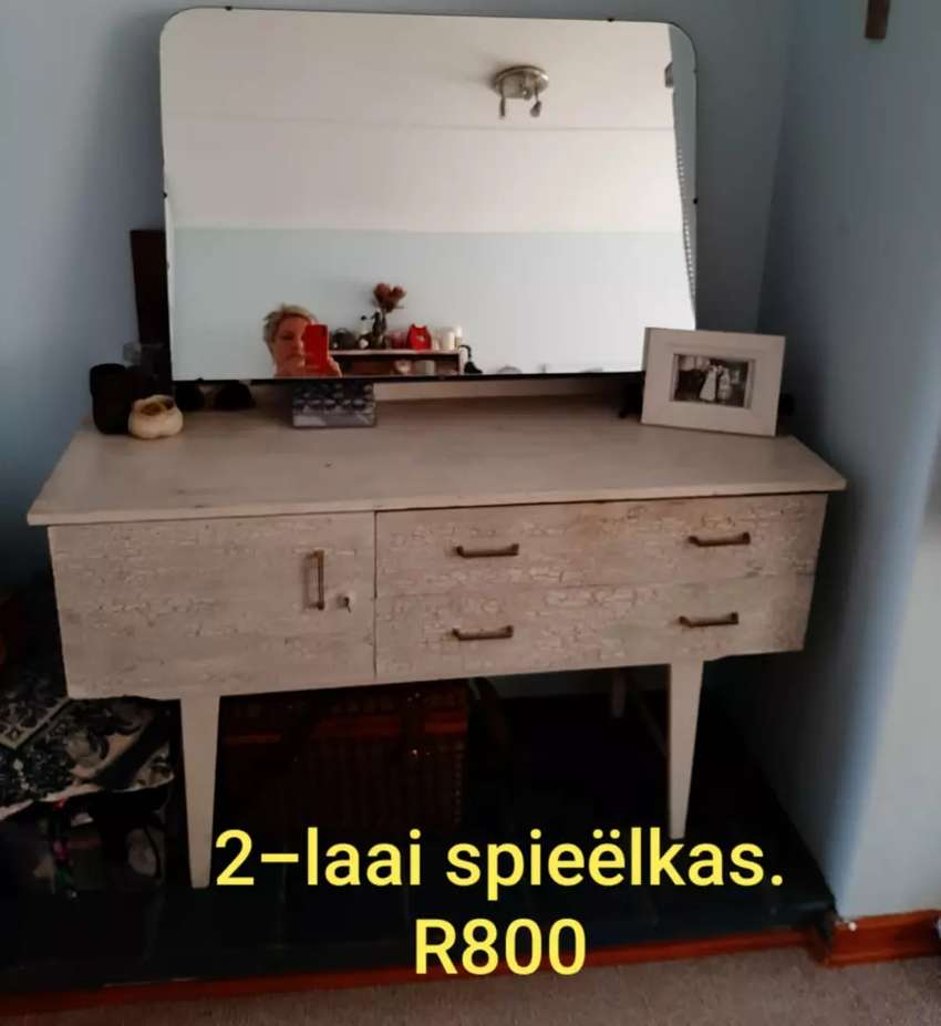 Large wooden dressing table - spieëlkas 0