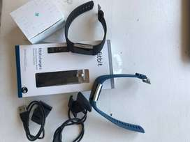 SELLING TWO FITBIT CHARGE 2 WATCHES