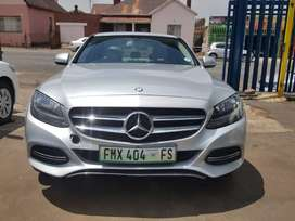 2014 Mercedes Benz C200 automatic with leather seats