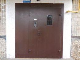 Металеві двері з домофоном