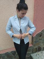 Голубой стильный пиджак