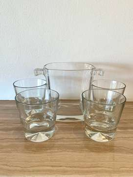 Johnny Walker Whiskey Ice Bucket with Whiskey Glasses