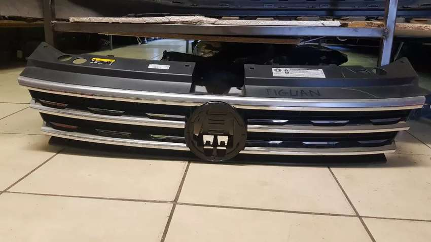 VW TIGUAN  FRONT GRILL AVAILABLE