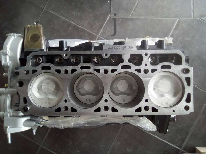 TOYOTA 2.2[4Y] HALF ENGINE AND COMPLETE ENGINE CALL ME.