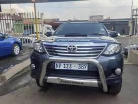 2011 Toyota Fortuner D4D leather interior