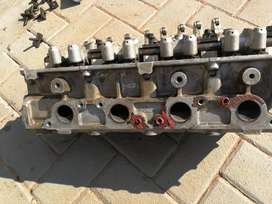 Chrysler neon cylinder head