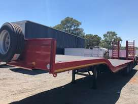 New tri axle stepdeck lowbed trailer
