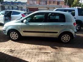 BLUE HYUNDAI GETZ 1.6 TDI HATCH