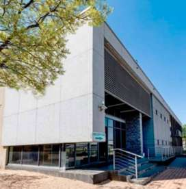 TO LET: 9,788 SQM INDUSTRIAL WAREHOUSE WITH OFFICES IN JET PARK